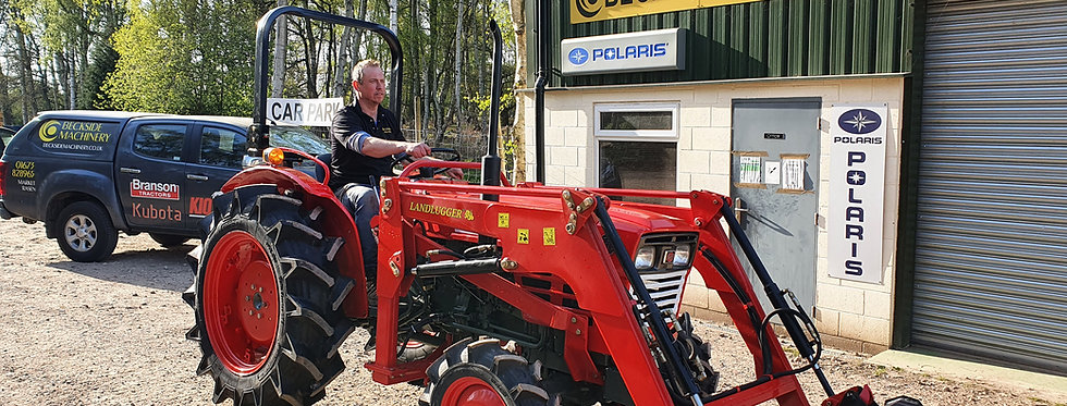 Yanmar Compact Tractor YM311 4WD with Front Loader