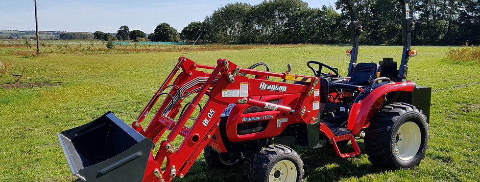 Branson Tractors 3100H with Tractor Loader & Tractor Mower