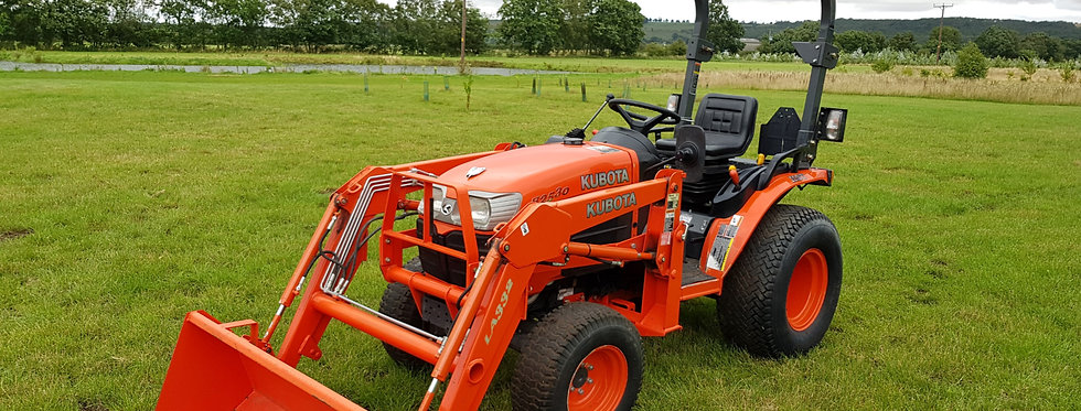 B2530D Used Kubota With Loader | Tractor With Loader For Sale UK