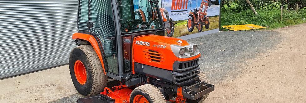 "Kubota Compact Tractor STV32 with 60"" Tractor Mower"