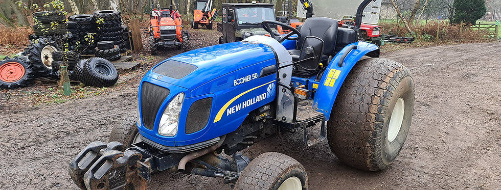New Holland Compact tractor HST BOOMER 50 Super Turfs