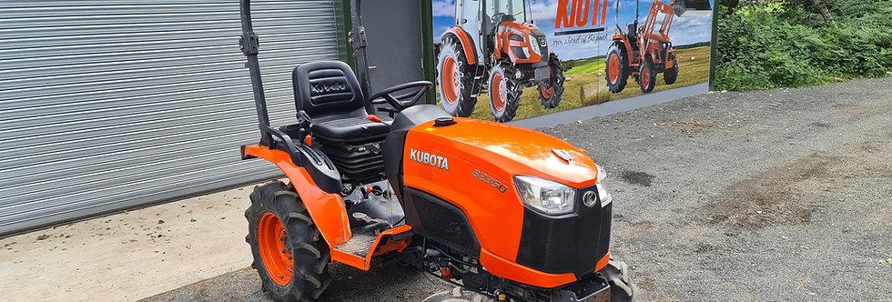 Kubota Compact Tractor B2350 HST