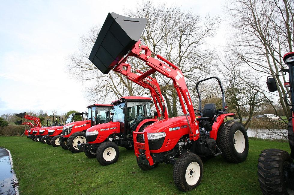 branson tractor group 1.JPG