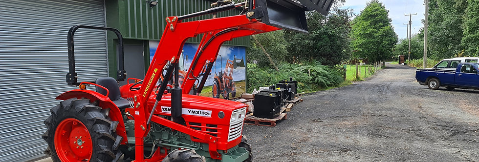 Yanmar Compact Tractor YM3110  4WD with Front Loader