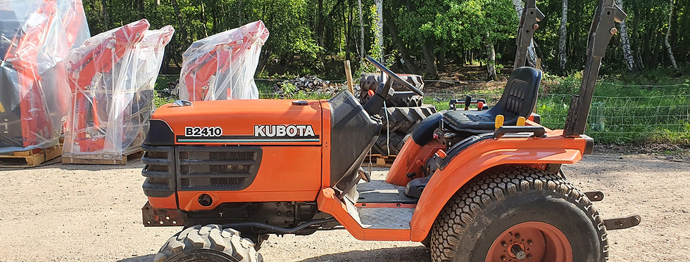 Used Kubota Compact Tractor B2410 HST Hydro Static Tractor On  Turf