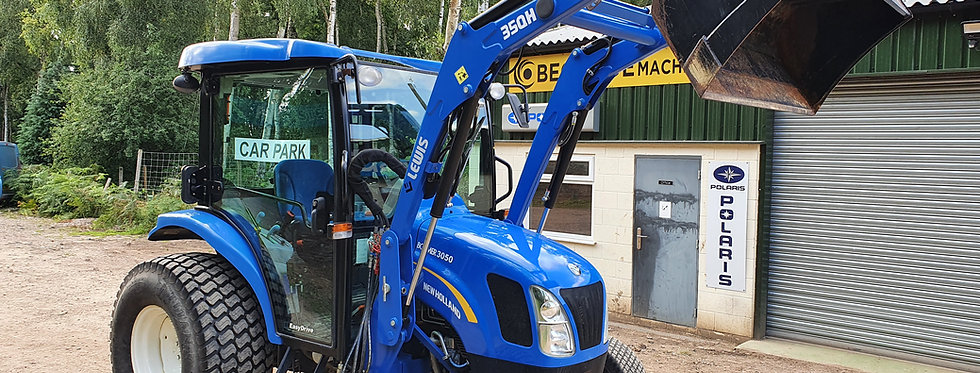 New Holland Boomer 3050 with Tractor Loader
