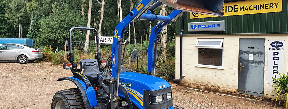 Solis 26 Compact Tractor  4WD with Front Loader Low Hours