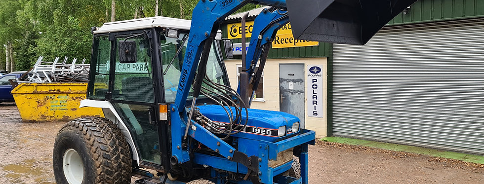New Holland  Compact Tractor 1920 Cab Tractor 4 IN 1 Loader
