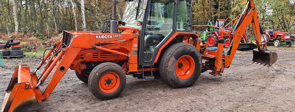 Kubota Compact Tractor L3250 40HP + loader + backhoe