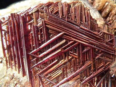 Sagenite rutile in quartz