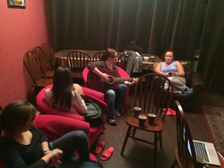 Вечер разноцветных песен под гитару
