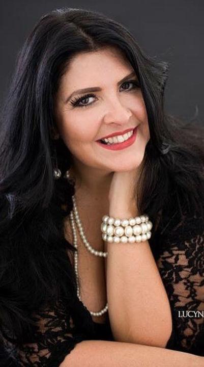 Angela DiLeone award winning hair and makeup artist.