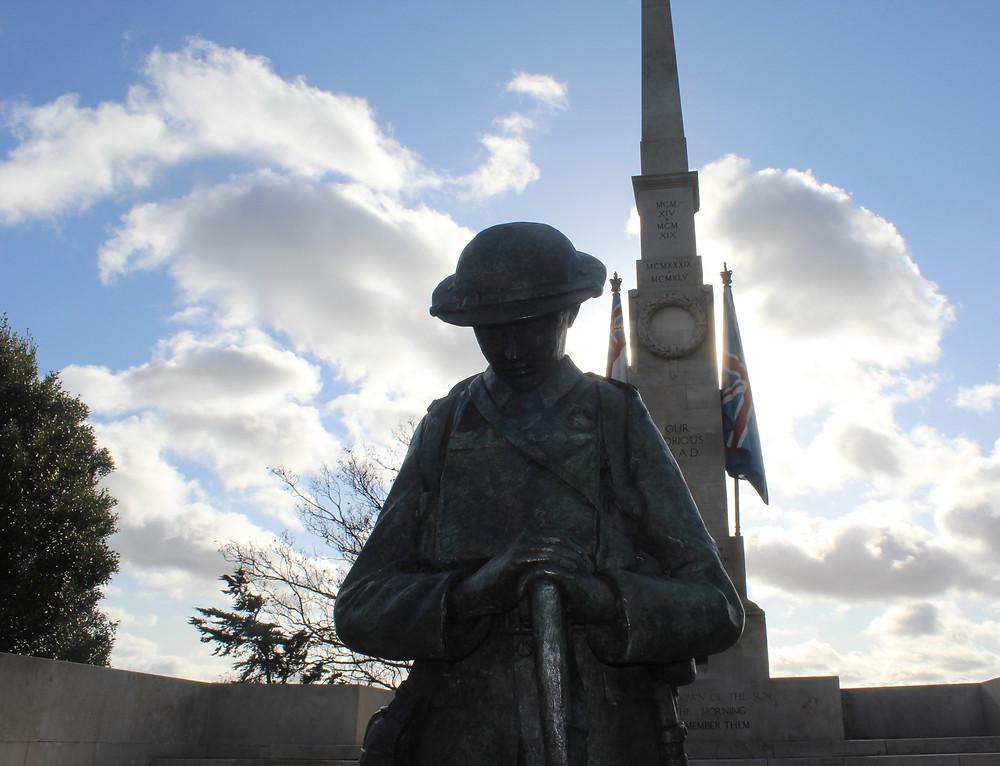 southend cenotaph soldier statue