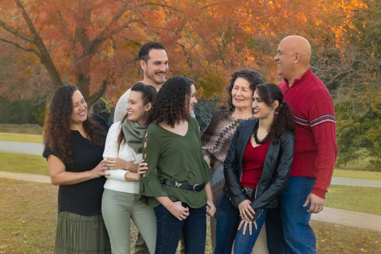 Candid Fall Family Photos.jpg
