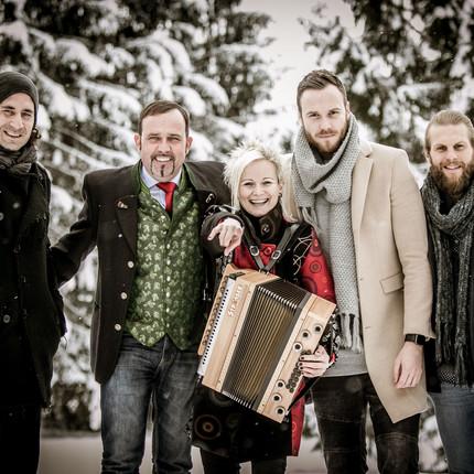 """Handgemachte MundARTmusik aus Salzburg  """"Advent im Gebirg"""" mit der Meissnitzer Band"""