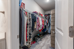 93_marietta_walk_trace-27-primary-closet