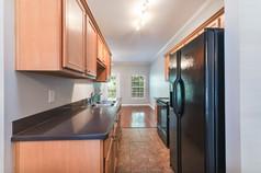 1803-masons-creek-cir-8x10-07-kitchen