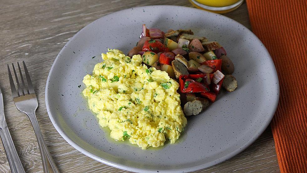 Herbed Scrambled Eggs, Turkey Sausage & Veggie Hash