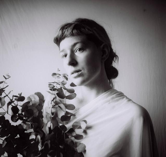 Ana Harff_portrait_2020_ (4).jpg