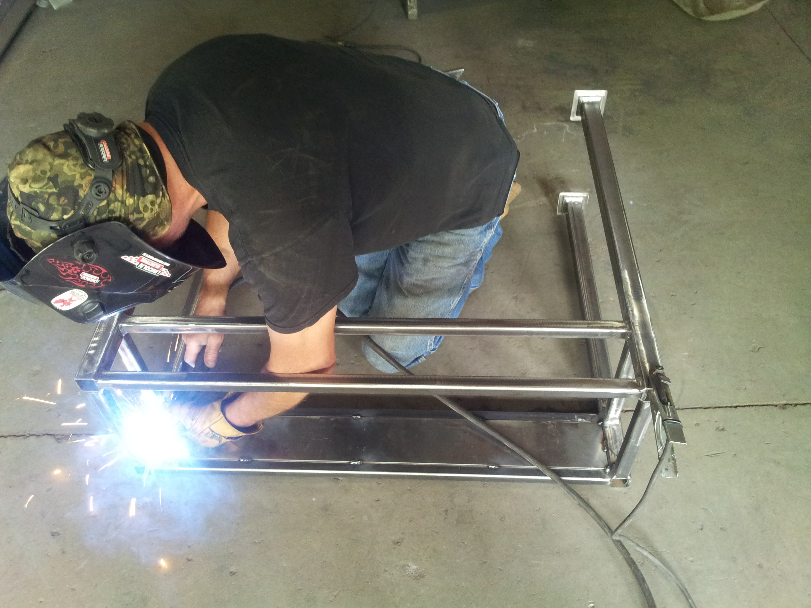 Lar welding the table frame