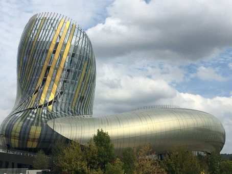 La Cité du Vin à Bordeaux : une mixité des matériaux extraordinaire et réussie entre le bois, l'