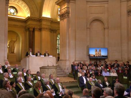 Hommage des académiciens au chef d'oeuvre de Viollet-le-Duc : la flèche de Notre-Dame de Paris