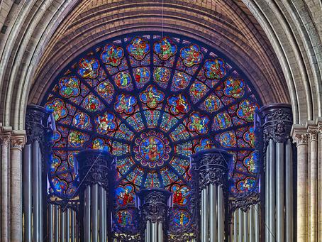 Visite guidée inédite de la rose ouest de Notre-Dame de Paris avec Gigascope