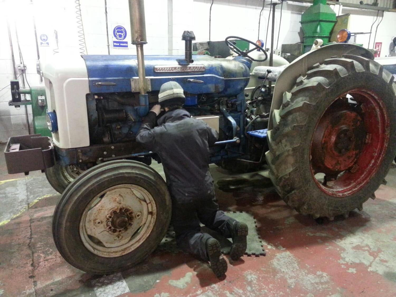 Vintage Tractor rewire