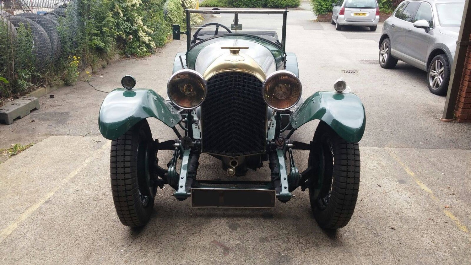 Vintage Bentley Charging Circuit