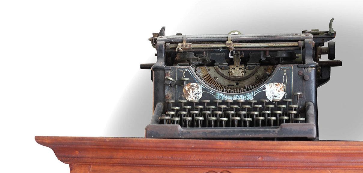 """עו""""ד לדיני עבודה, ד""""ר עמית גורביץ' - מכונת הכתיבה"""