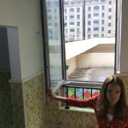 Alexia Rasmussen on set