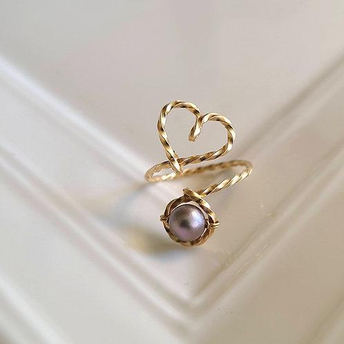 Mauve Pearl Hear Ring