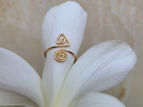T-spiral toe ring