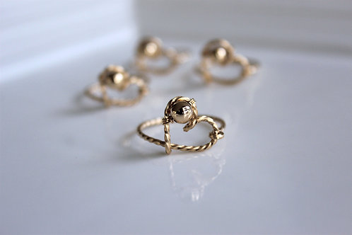 Twisted gold on gold ring