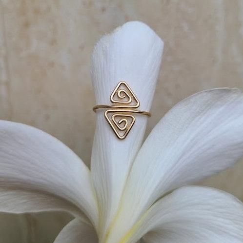 triangle toe ring