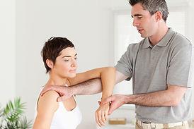 Osteopata, manipolazione, trattamento osteopatico