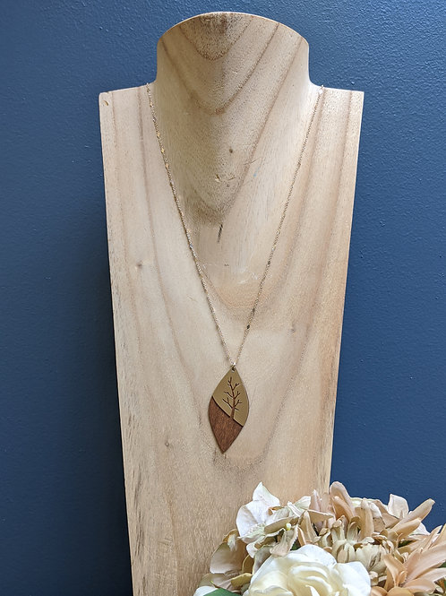 Revealing Wood Necklace