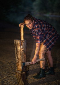 Holz fürs brennende Feuer