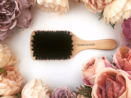 7 Benefits of Using a Boar Bristle Brush