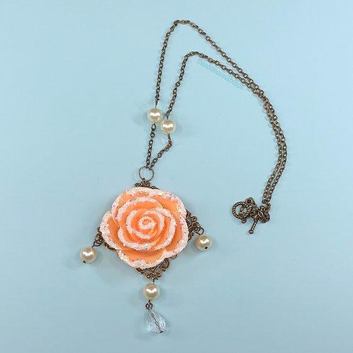 Snow Rose Peach Necklace