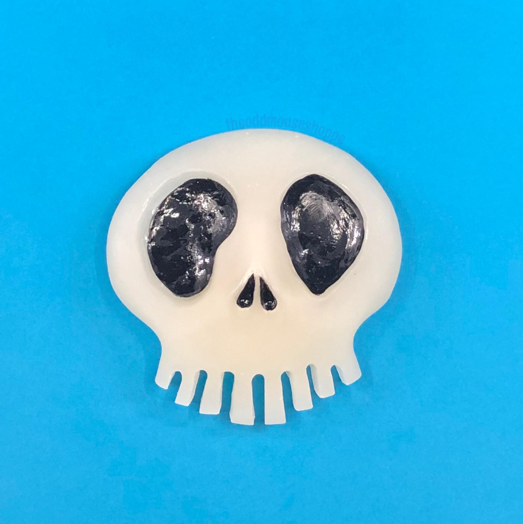Glow Skull XL Brooch