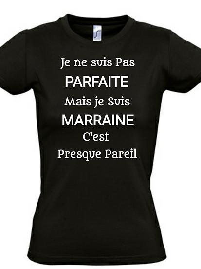 T-Shirt / Humour - Famille pas Parfait / ROKTOPODE de Roka La Poulpe avec ROKA CONCEPTS - BOUTIQUE CADEAU - YVERDON-LES-BAINS