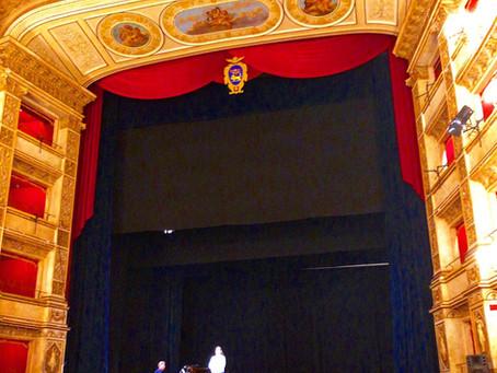 初めてイタリアの劇場で歌いました