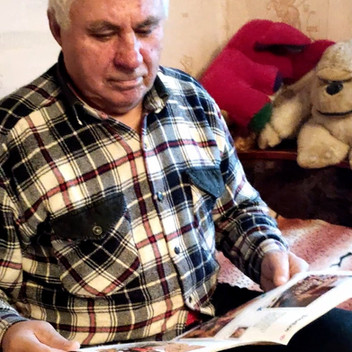 Printed family news feed for ageing loved ones