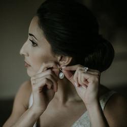 bride earings makeup