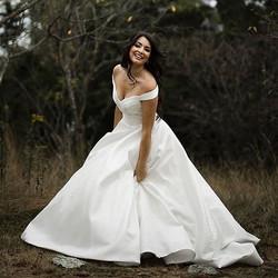 bride dark hair makeup