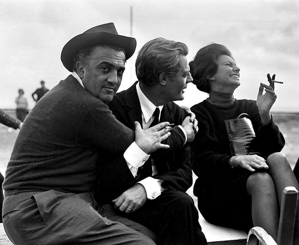 Слева направо: Федерико Феллини, Марчелло Мастроянни, Софи Лорен