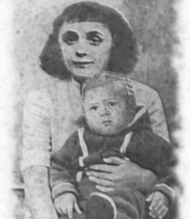 Эдит Пиаф с дочерью