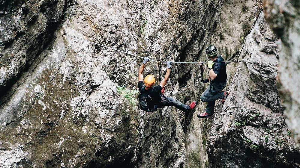 escalade, montagne, sport, santé, alimentation, bien-être, casque, corde, sportif, vacances, été, soleil, chaleur, chaud