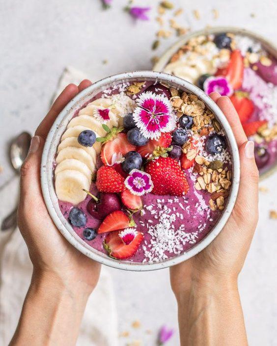 acai, bwol, bol, fraise, rouge, banane, fleur, céréales, myrtille, fruits rouges